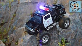 Мультик про машинки. Грузовичок с игрушками, полиция и бандиты. МанкиМульт