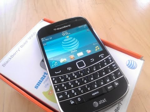 AT&T BlackBerry Bold 9900 Unboxing