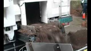 Knapen Trailers z agregatem do rozładunku podłoża  do uprawy pieczarek