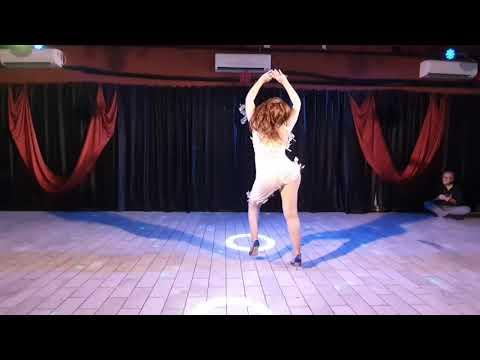 Bruna Vitorino - Bachata - Dança De Salão Sorocaba
