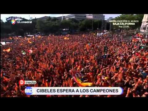 Toda Cibeles canta el ¡A por ellos! en la celebración de la Eurocopa 2012