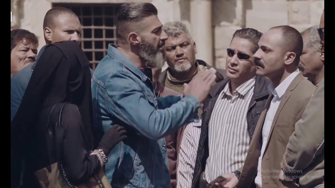 """شوف """"رحيم"""" عمل ايه لما الظابط وقفه و قاله خليها تقلع النقاب"""
