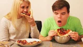 GROSS PIZZA CHALLENGE WITH GIRLFRIEND!