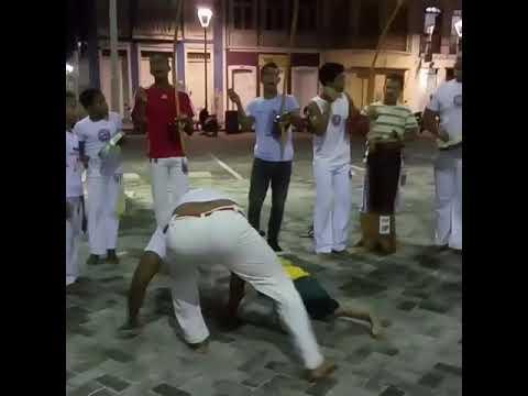 O que a capoeira faz