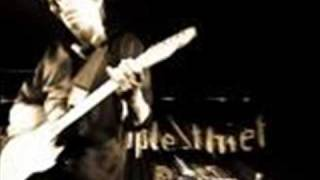 Watch Pineapple Thief Clapham video
