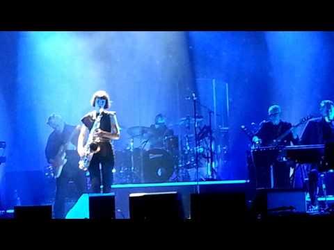 Bryan Ferry with Jorja Chalmers Sax Orlando Concert 12 March 2017 Alvalon