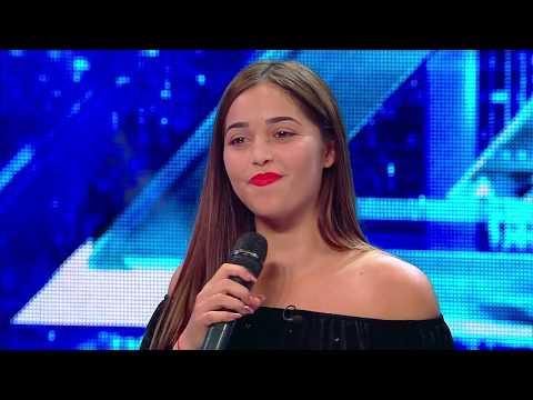 Antonia a venit la X Factor! În realitate se numește Adela Ciocan și cântă pe oriunde apucă