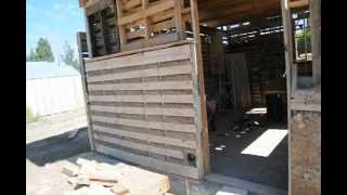 Pallet Shed With Light Clay Wood Chip Insulation