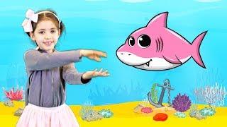 Catalina Baby Shark | Kid Songs and Nursery Rhymes (videoclip)