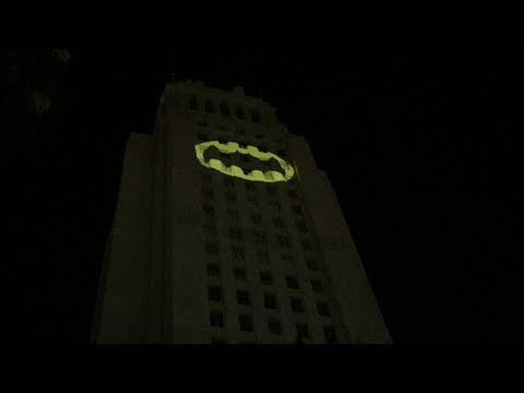 Full Video from the Ceremony for Adam West at the Bat Signal in Los Angeles June 15, 2017