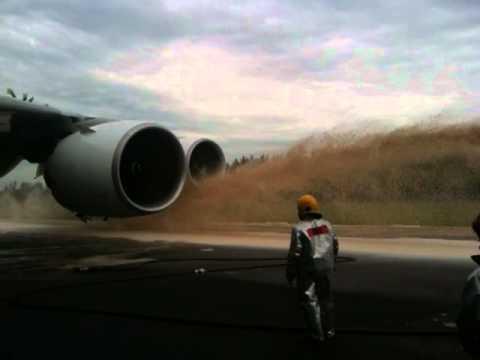 Terror on Flight Qf32 Qantas Flight Qf32 4
