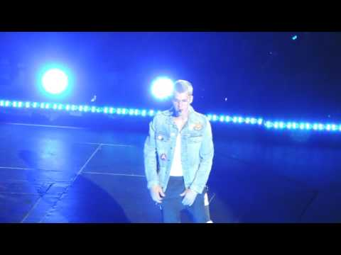 Justin Bieber - Let Me Love You (PWT Sao Paulo 01/04/2017)