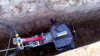 Фундамент своими руками. Копаем фундамент с помощью мотоблока.