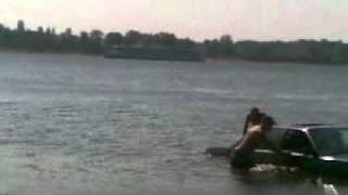 Ауди в реке.mp4