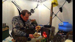 Ночь в палатке Готовим вегетарианский ужин Щука и окунь на балансир Рыбалка на озере 2Часть