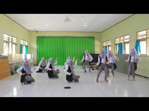 Dance Modern Traditional Show By 12A5 Of Senior High School 1 Geger