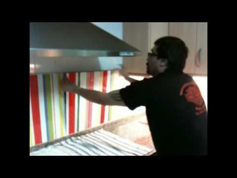C mo cambiar el look de la cocina youtube - Cambiar azulejos ...