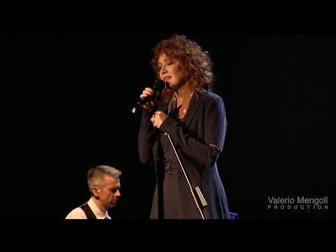 Fiorella Mannoia LIVE - Amore bello (Bologna 30 novembre 2014)