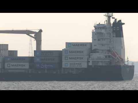 Singapore senthosa sea port ships
