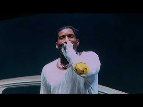 Bahamas/Peek A Boo - A$AP Rocky ft Lil Yachty & A$AP Mob (Yachty Hijacks Rocky's @ Flog Gnaw 2017)