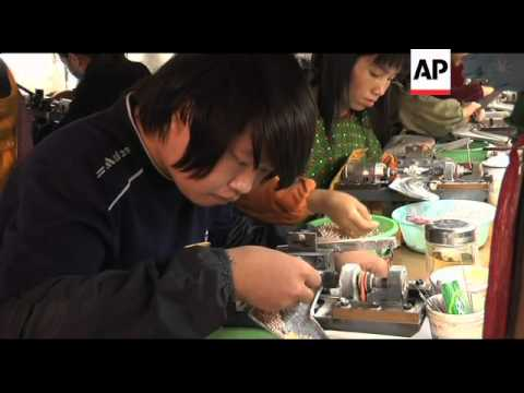 Chinese freshwater pearls compete with traditional sea bred gems