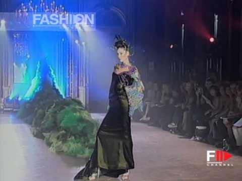 "Fashion Show ""Grimaldi Giardina"" Haute Couture Women Autumn Winter 2003 2004 Paris 3 of 4"
