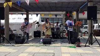 2017年7月16日 篠島フェスのビーチステージにいんげん豆ズとして出演さ...