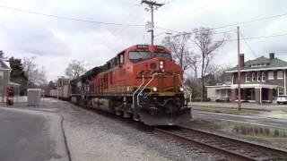 BNSF ES44C4 Leads an NS C40-9W on an Empty Coal Train running as E49 Headed to CLNA Railroad!!!!!!!!