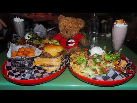 Belt Buster Nachos And Cheese Burger Challenge In Charleston, SC!!