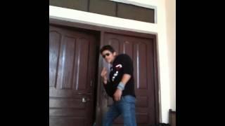 Shahrukh   dance bhad me jaye janta