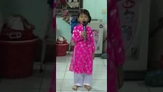 Yến Nhy 2017 Bông hồng tặng cô