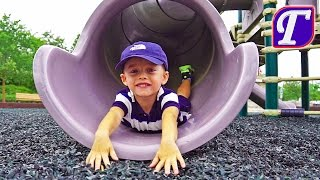 Играем на Детской Площадке в Америке Максим в Парке Видео для Детей влог Гуляшка VLOG entertainment
