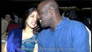 Vivian Richards and Neena Gupta with Asha Bhosle at 'Rahul and I' release
