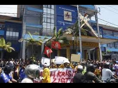 [ Live ] Aksi Demo di Kantor PLN Tanjung Pinang Ricuh