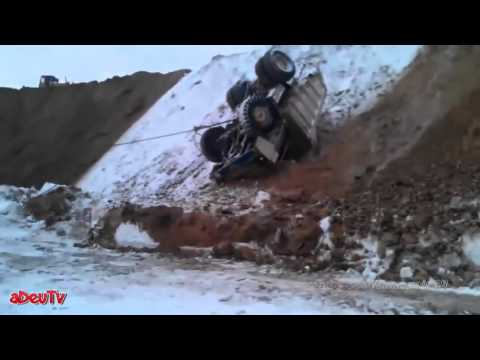 Fail at work: Mining accident - death of super mining trucks !