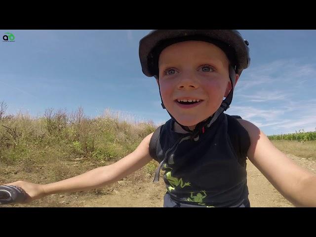 Aventuri pe bicicleta : Piticotul biciclist