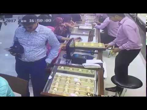 Brazen theft in Malabar jewellery outlet caught on camera