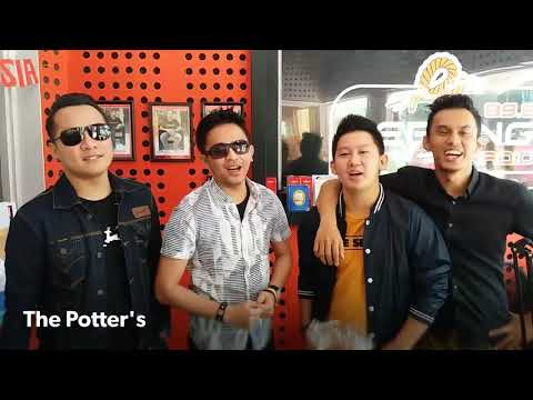 The Potter's visit di Serang Radio
