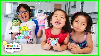Ryan Emma and Kate Opens Ryan's World Giant Squishy Toys!!!!