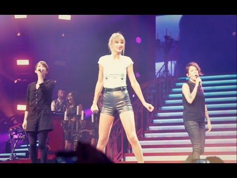 "taylor-swift-&-tegan-and-sara-performing-""closer""-(live-at-staples-center-aug.-20th,-2013)"