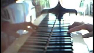 昨日の放送で、進水式で父親役の遠藤憲一が瀬戸の花嫁を歌うシーンが、...
