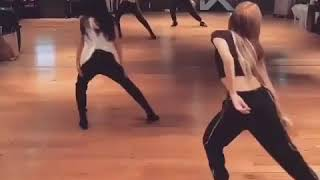 Lisa Take Me Solo Stage Dance Practice