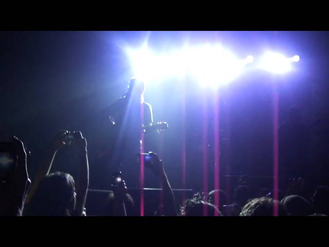Pee Jau UnPlugged (HD) 720p Exclusively Live @ IIFT by Farhan Saeed [Concert]