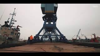 Уникальна операция по перевозке 56-ти метровых кранов