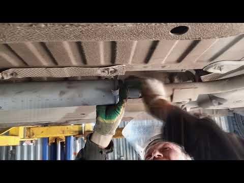 Замена резонатора на автомобиле   Рено Логан от ВАЗ 2108,сварочные работы