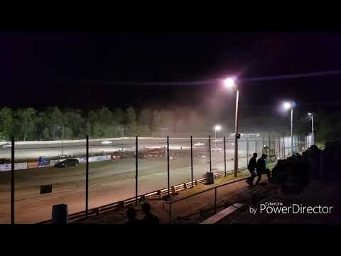 Spinning and Wrecking Hilltop Speedway June 14th 2019
