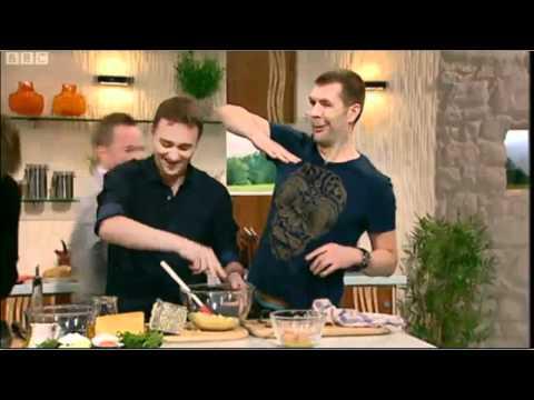 James Martin cooks scallops for Rhod Gilbert