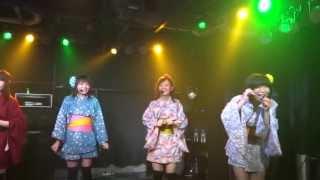 """2012年7月27日名古屋での初ワンマンライブ。 """"花火はたまや~"""" リーダー..."""