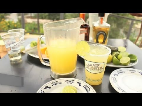 How to Make a Pitcher of Margaritas on the Rocks: Texas Flavors