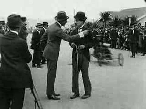 Charlie Chaplin - Kids Auto Races In Venice